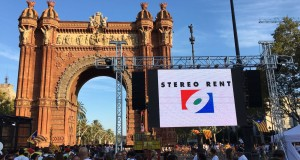 "Stereo Rent covers ""La Diada"""