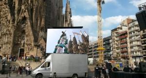 Camión pantalla en la Sagrada Família